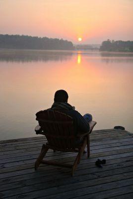 contemplatif-lac-homme